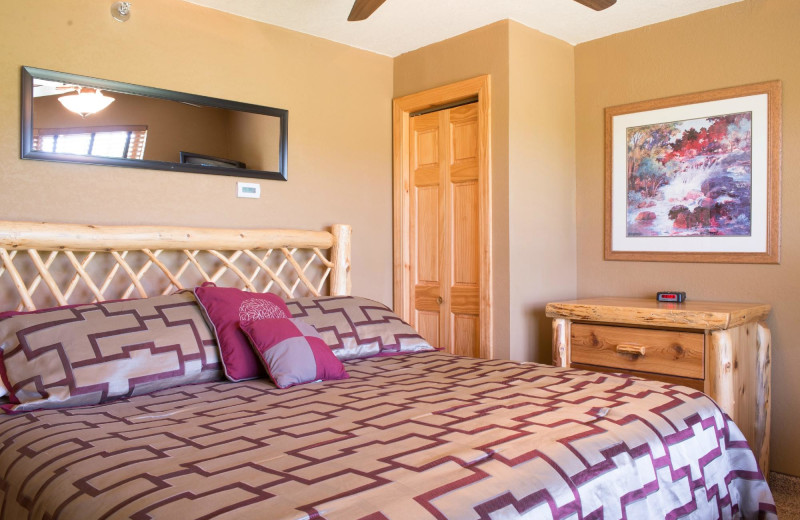 Guest bedroom at The Lodge at Giants Ridge.