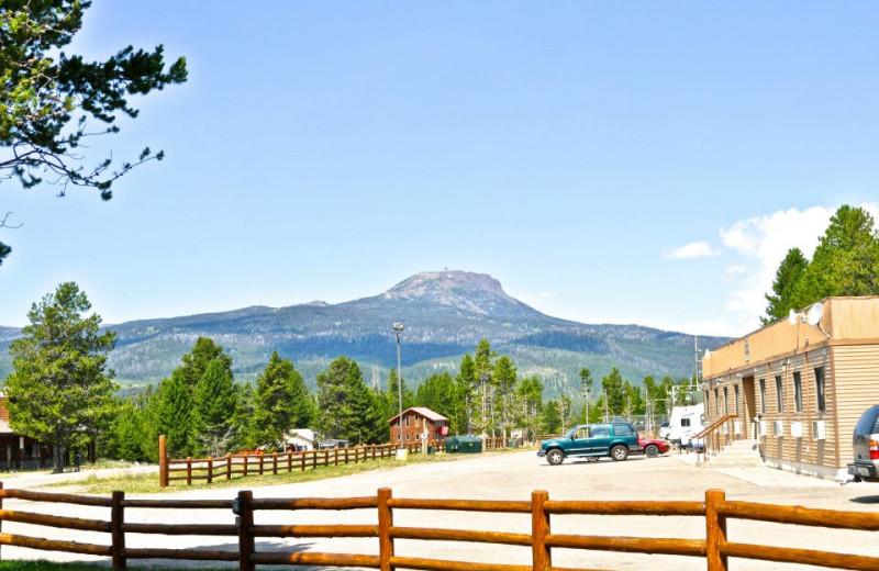 Exterior view of Sawtelle Mountain Resort.