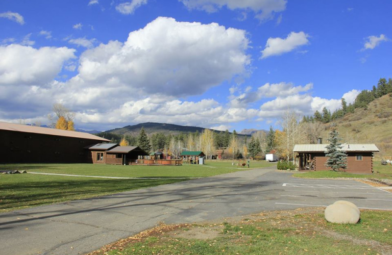 Exterior view of High Country Lodge.