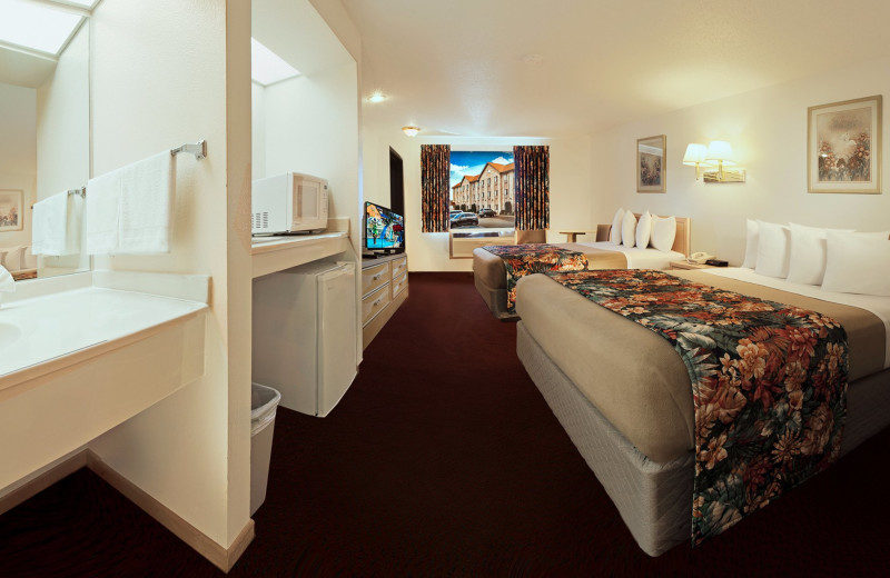 Guest room at Alakai Hotel & Suites.