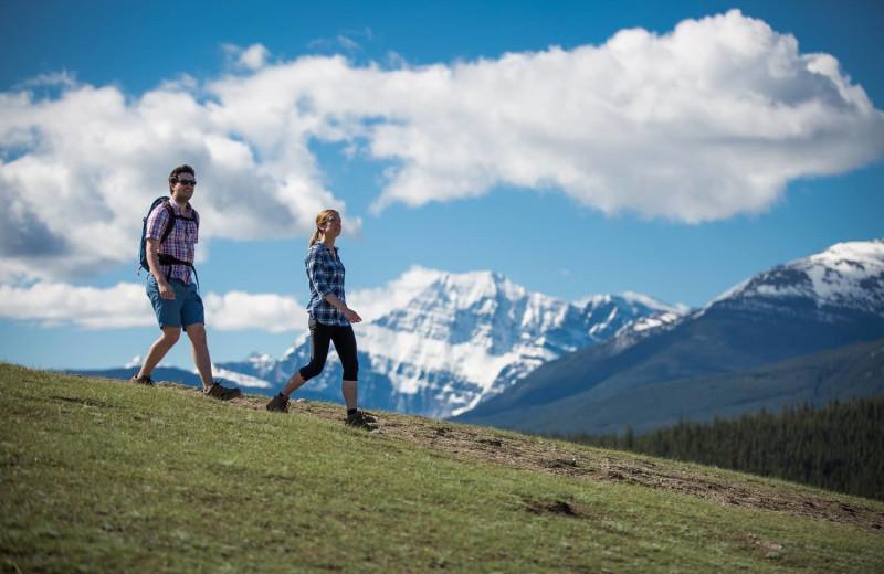 Hiking at Mount Robson Inn.