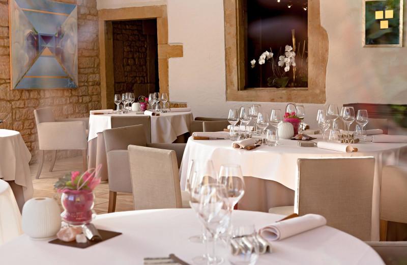 Dining at Auberge de la Grappe d'Or.