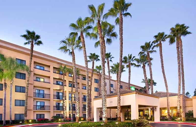 Exterior view of Courtyard by Marriott Laguna Hills Irvine Spectrum/Orange County.