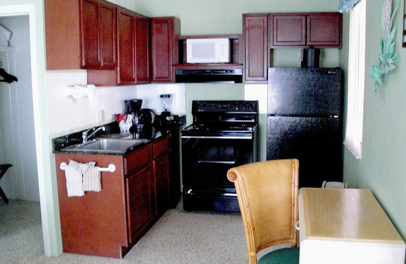 Guest kitchen at Chesapeake Beach Resort.