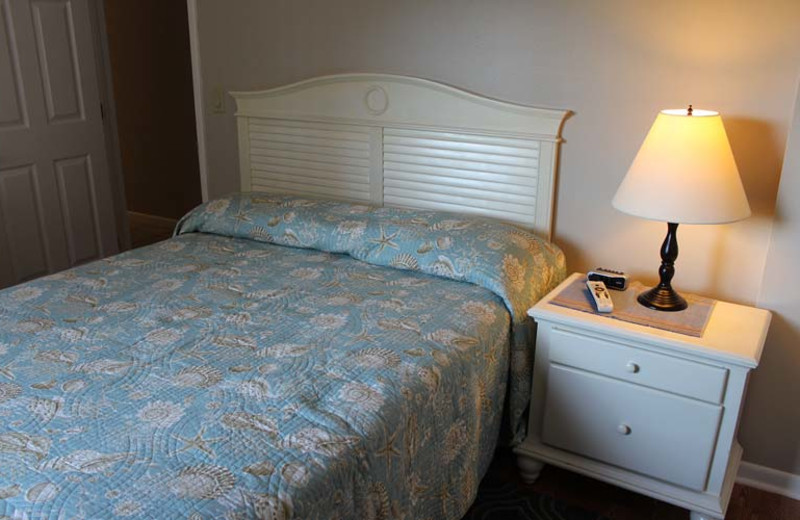 Guest bedroom at Gulfview Manor Resort.