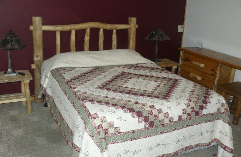 Rental bedroom at Sand County Service Company - Bluff View.