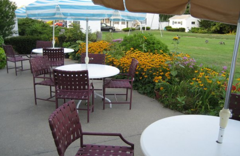 Outdoor patio at Tidewater Inn.