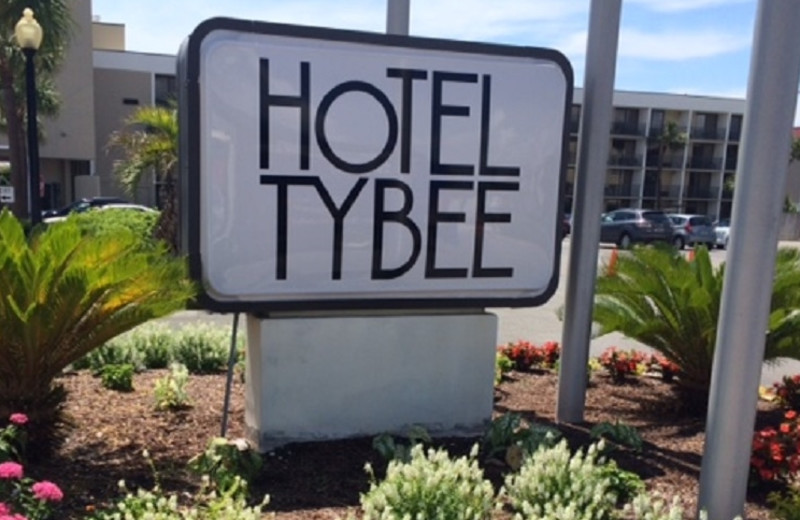 Exterior View of Hotel Tybee