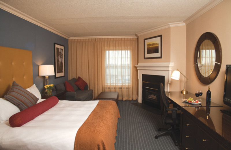 King suite at Queen's Landing.
