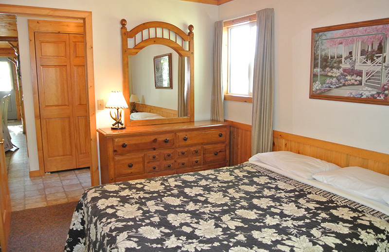 Cabin bedroom at Upper Cullen Resort.