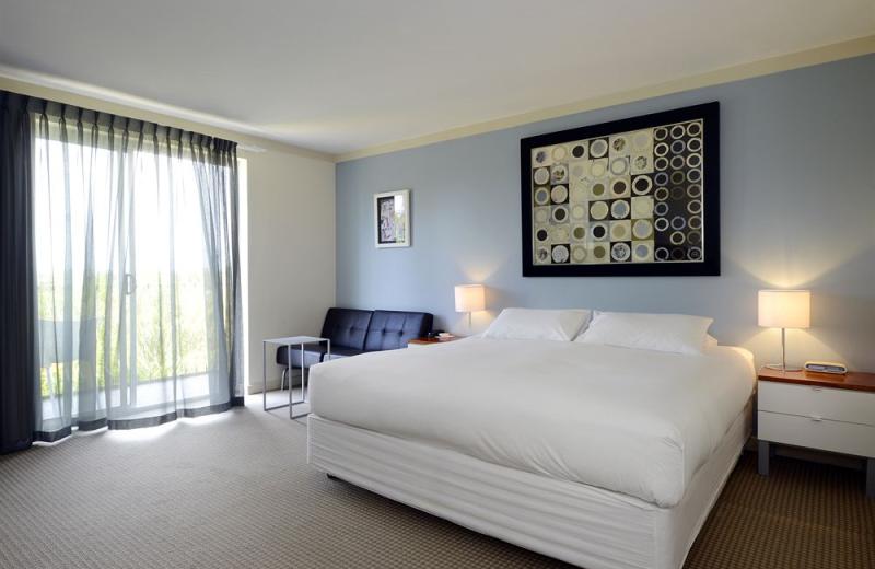 Guest room at Sullivans Hotel Perth.