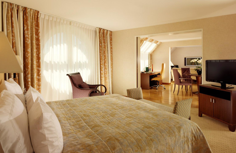 Guest suite at Basel Hotel Le Plaza.