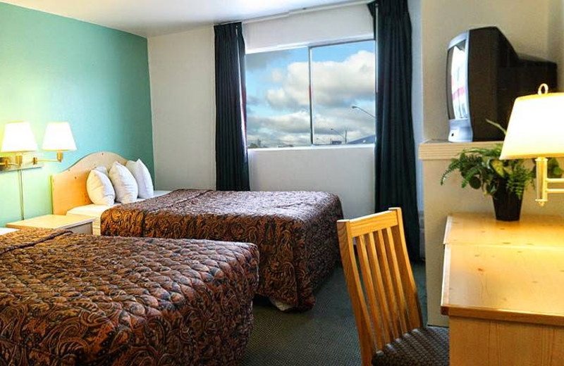 Guest room at Guesthouse International Inn.
