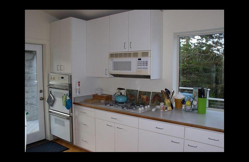 Rental kitchen at Irish Beach Rental Agency.