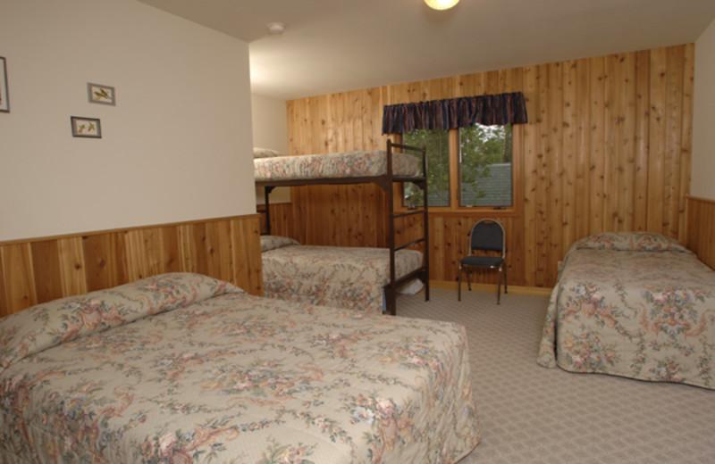 Guest bedroom at Arnesen's Rocky Point Resort.