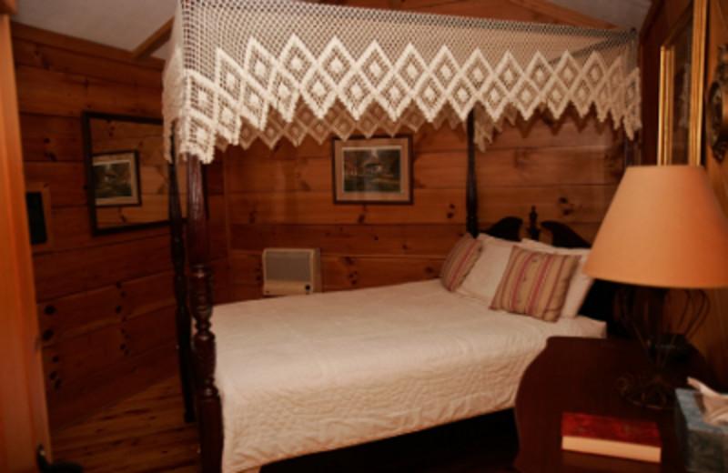 Cabin bedroom at Cavender Creek Cabins.