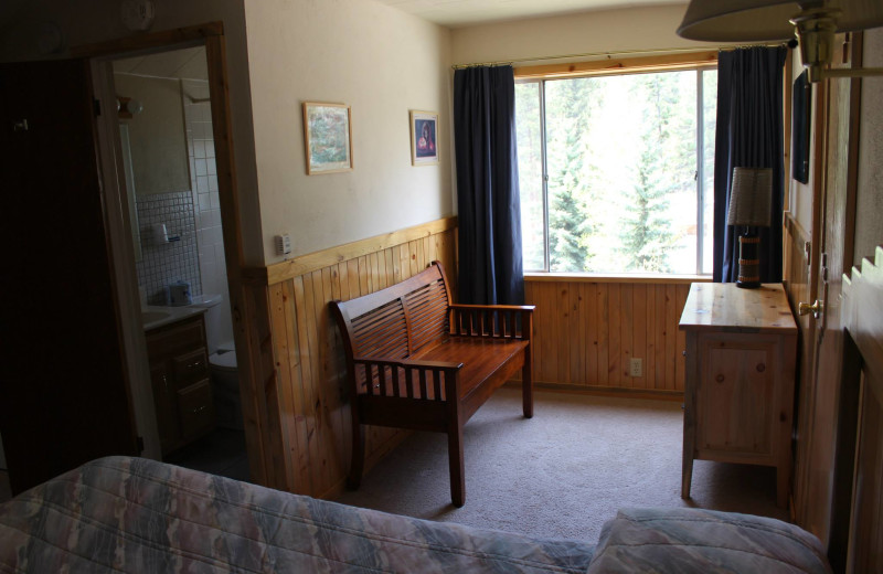 Cabin bedroom at Workshire Lodge.