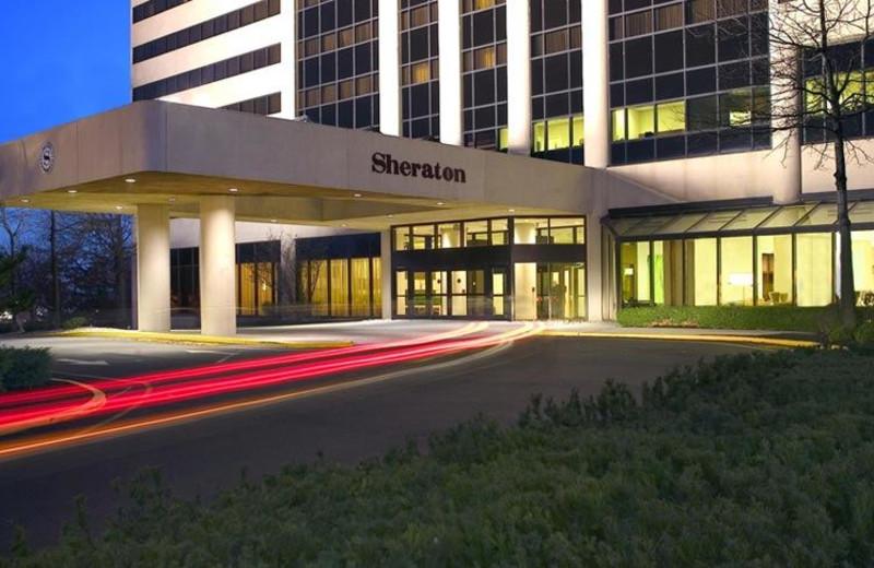 Exterior View of Sheraton Edison Hotel Raritan Center