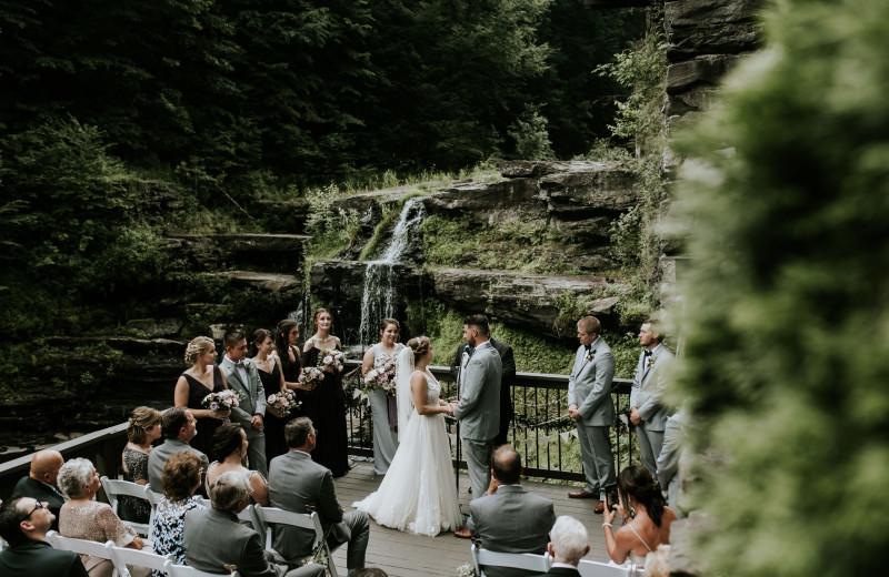 Weddings at Ledges Hotel.