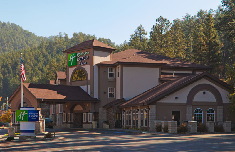 Exterior view of Holiday Inn Express Keystone.