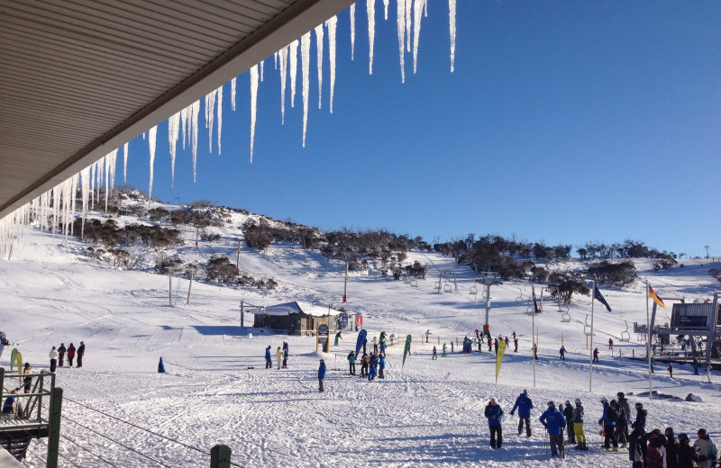 Skiing at Smiggins Hotel and Chalet Apartments.