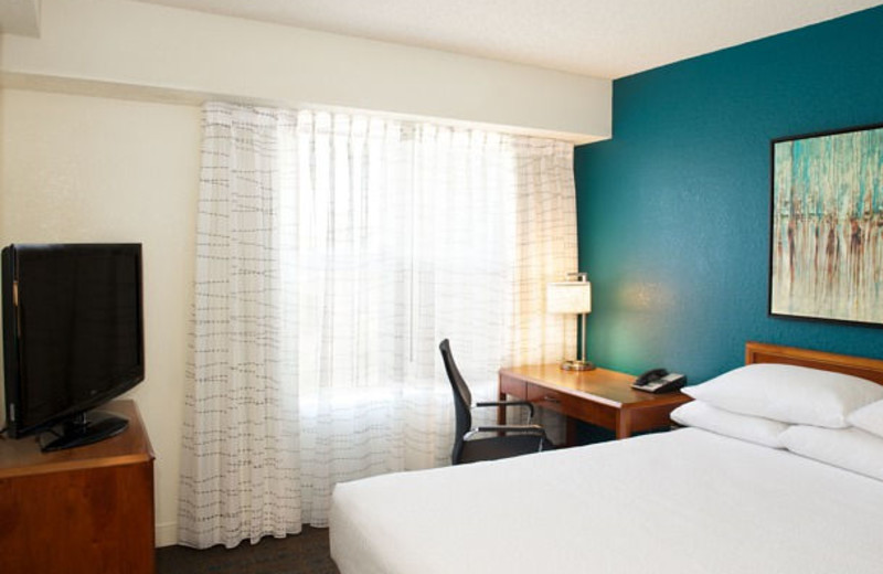Guest room at Residence Inn by Marriott Newark- Silicon Valley.