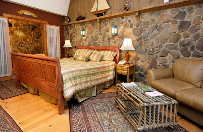 Guest suite at The Wren's Nest Village Inn.
