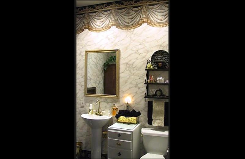 Guest bathroom at Sierra Madres's Jailhouse Inn.