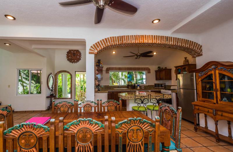Dining at Casa Playa del Caribe.