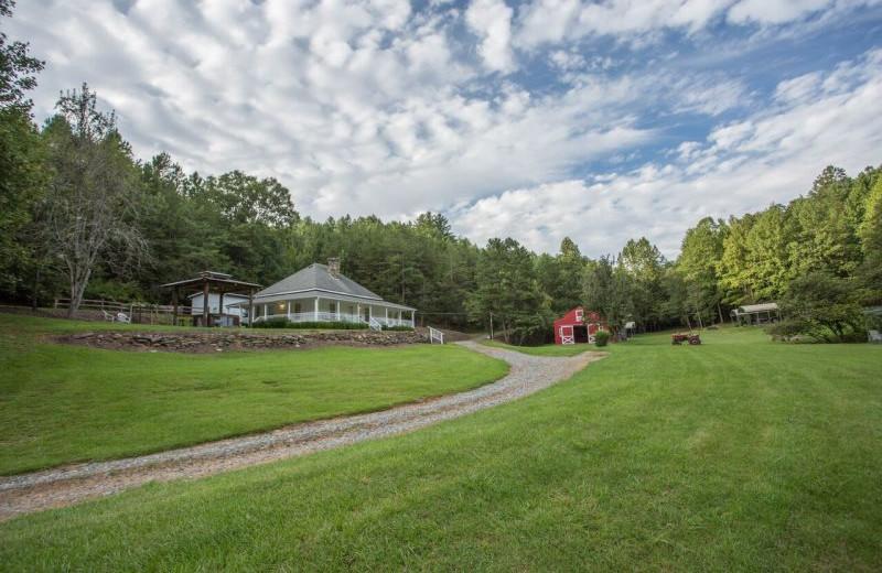 Rental exterior at Blue Sky Cabin Rentals.