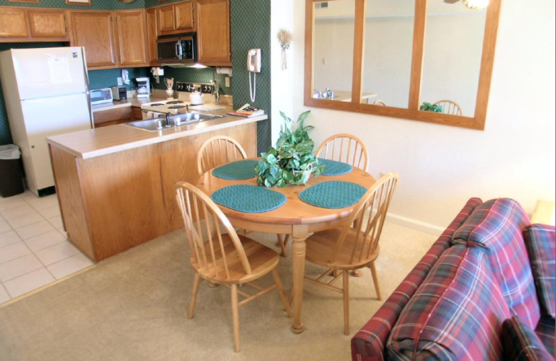 Vacation rental dining room at Beaver Ridge and Northpoint.