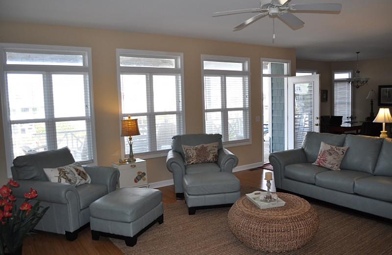 Rental living room at Williamson Realty. Inc.