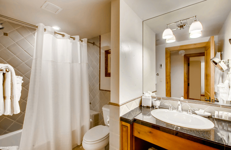 Guest bathroom at Vail Mountain Lodge & Spa.
