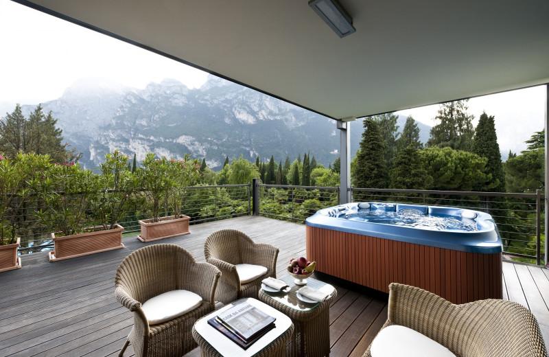 Guest patio at Hotel du Lac et du Parc.