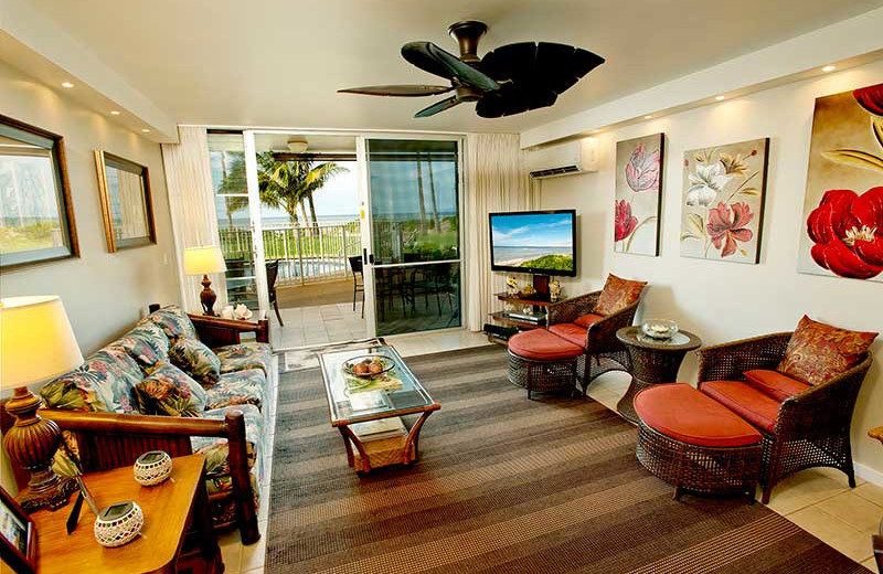 Vacation rental living room at Hale Kai O Kihei.