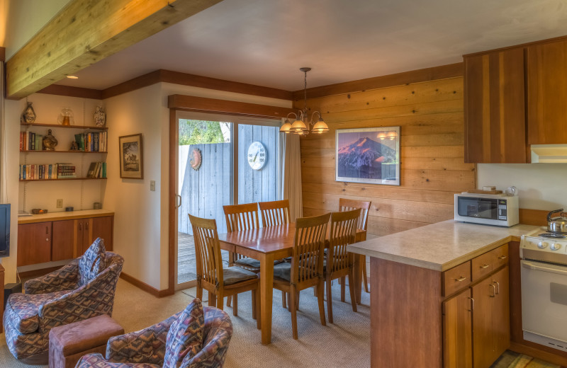 Guest kitchen at Black Butte Ranch.