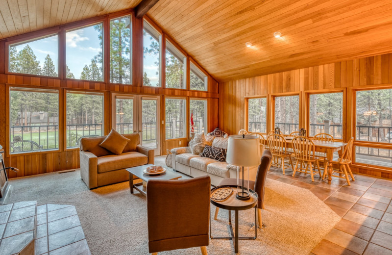 Rental living room at Black Butte Ranch.