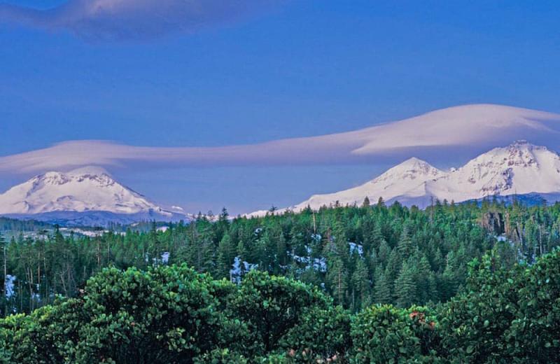 Mountains at Sisters Vacation Rentals.