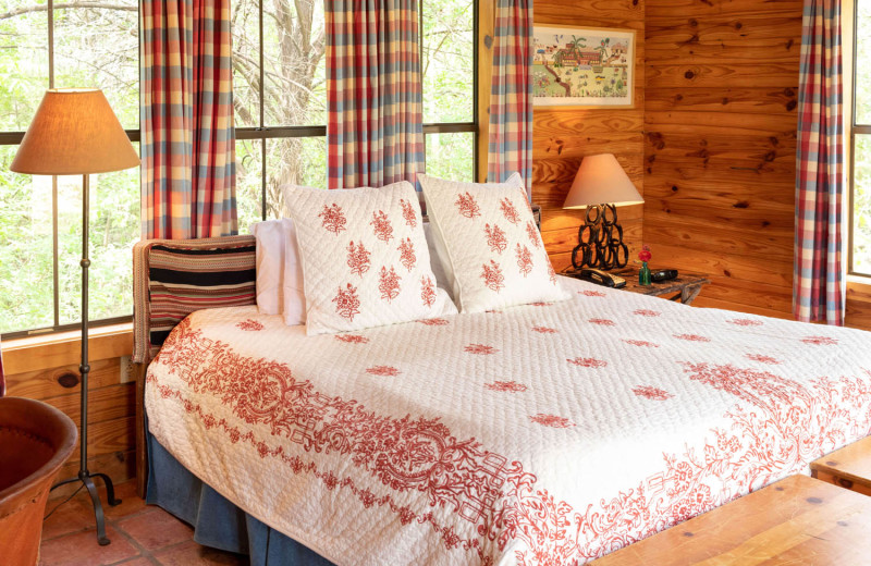 Guest bedroom at The Retreat at Balcones Springs.