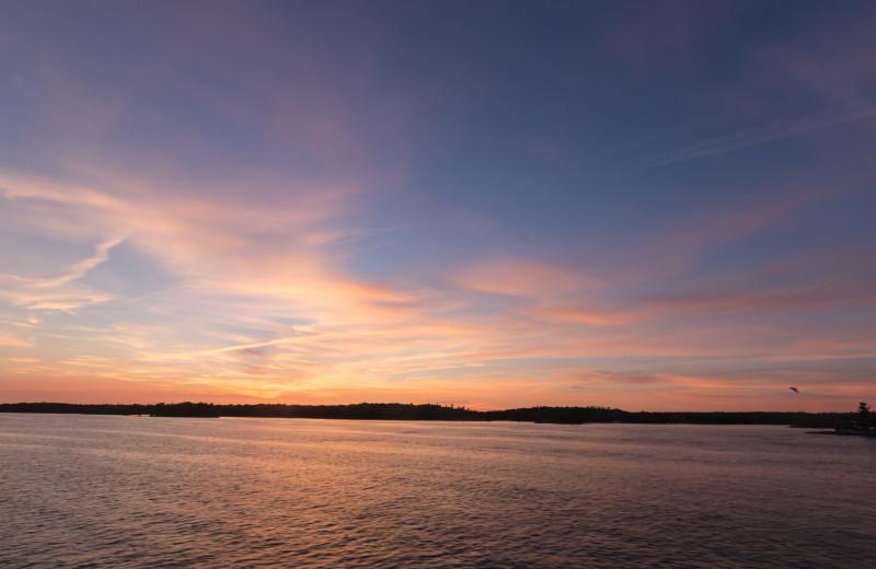 Lake sunset at Windjammer Lodge.