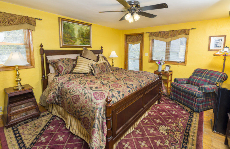 Guest room at Hawk Valley Retreat & Cottages.