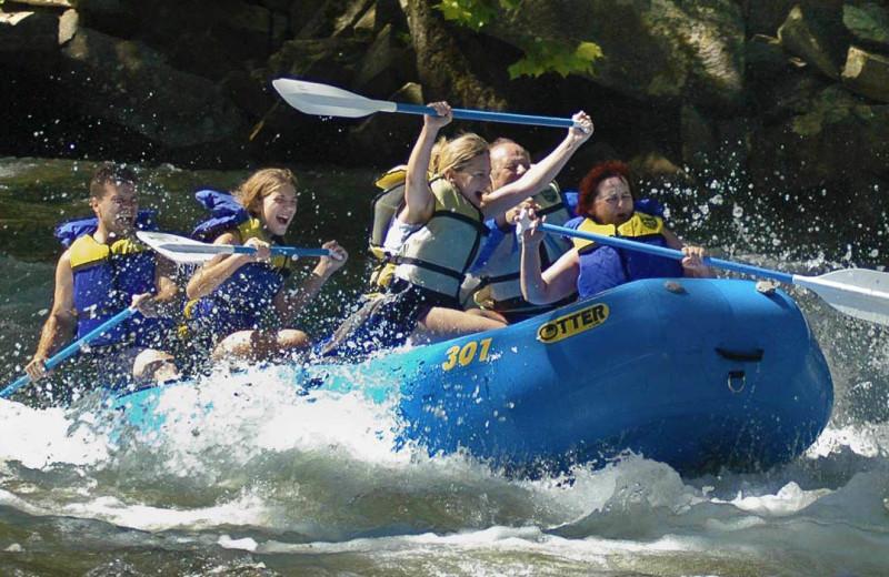 River rafting at Great Smokys Cabin Rentals.