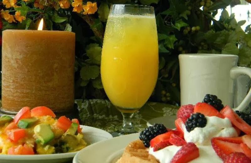 Breakfast at Summer Creek Inn & Spa.