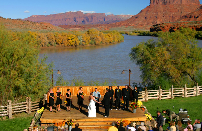 Weddings at Red Cliffs Lodge.
