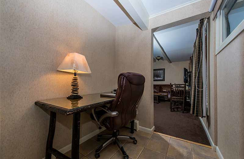 Guest room at Windjammer Lodge.