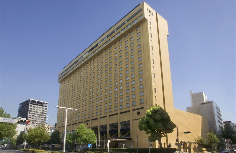 Exterior view of Nagoya Kanko Hotel.