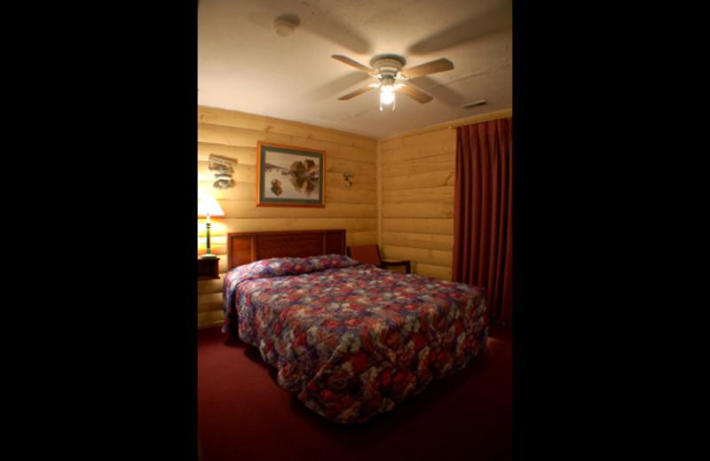 Guest bedroom at Bridgeport Resort.