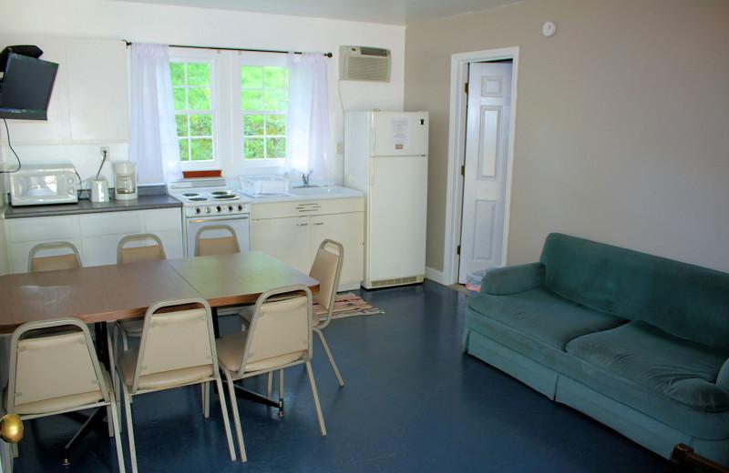 Guest room at Lynnhurst Family Resort.