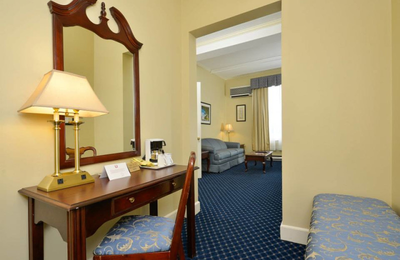 Suite interior at Bar Harbor Inn & Spa.