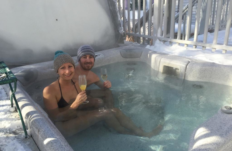 Hot tub at Phineas Swann Bed and Breakfast.